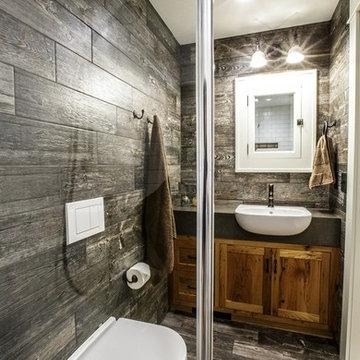 Rustic Geberit Master Bathroom