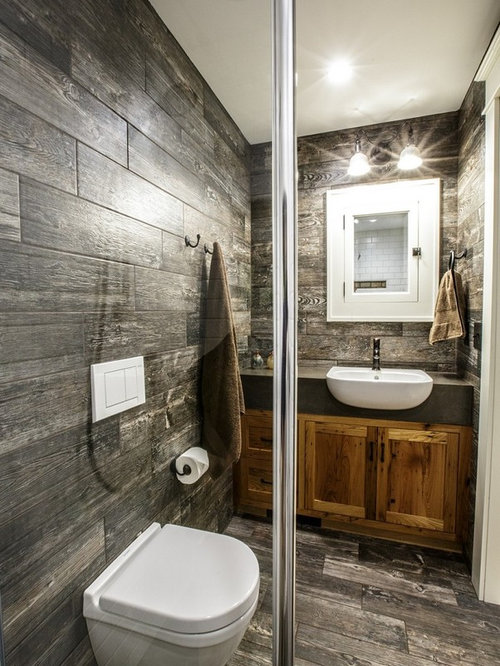salle de bain avec un sol en bois fonc et une douche l 39 italienne photos et id es d co de. Black Bedroom Furniture Sets. Home Design Ideas