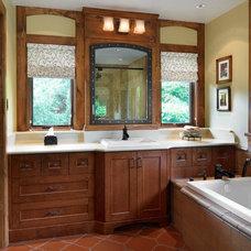 Rustic Bathroom by ARTO