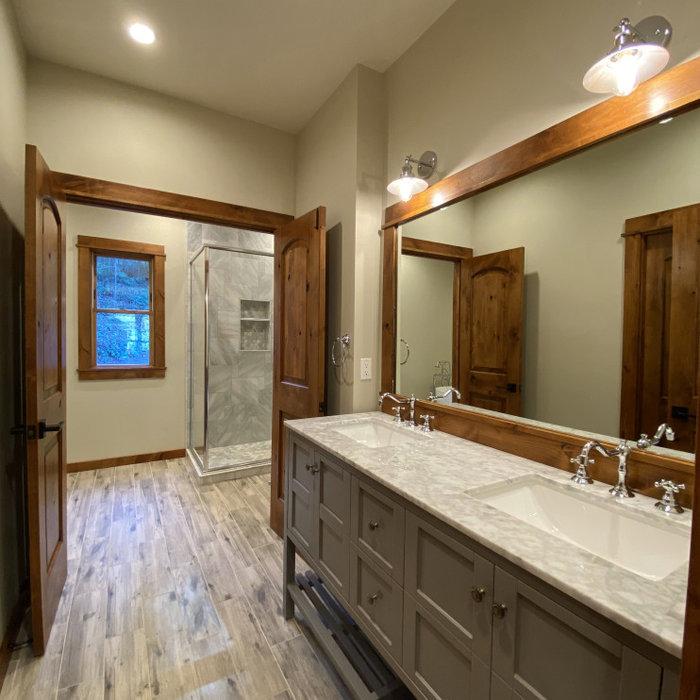 Bathroom - rustic bathroom idea in Sacramento