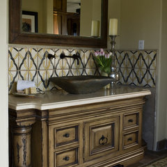 mediterranean bathroom by Rysso Peters