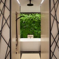 Contemporary Bathroom by Siol