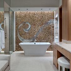 Contemporary Bathroom by Bernbaum-Magadini Architects