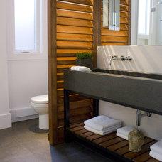 Contemporary Bathroom by FX Studio par Clairoux