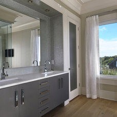 Contemporary Bathroom by William Quarles Photography