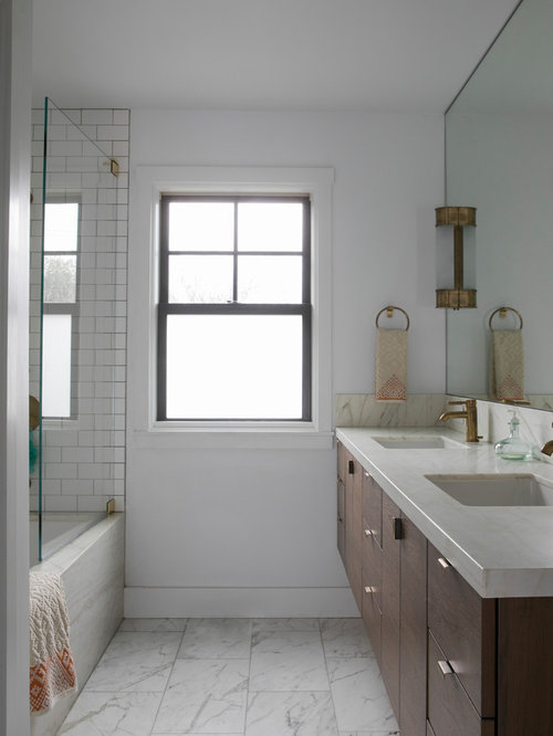 9,000 Bathroom with a Corner Tub Design Ideas & Remodel Pictures | Houzz