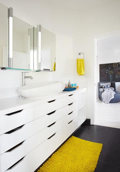 Modern Bathroom by Dupuis Design