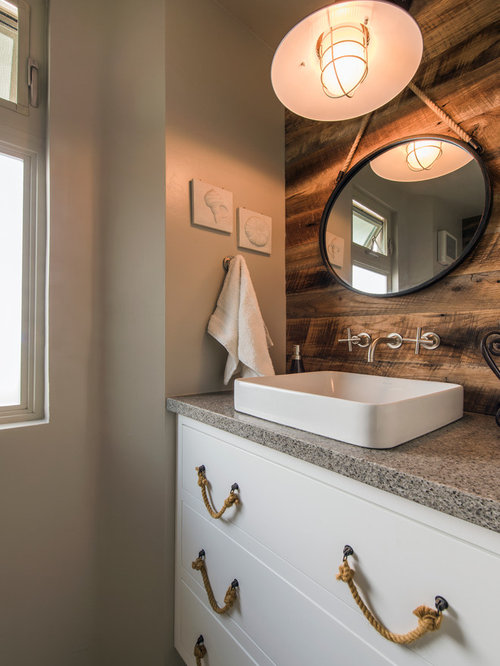 Inspiration For A Mid Sized Beach Style 3/4 Bathroom Remodel In San Diego