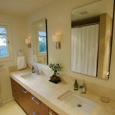 Contemporary Bathroom by The Urban Builder