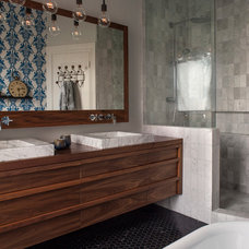 Contemporary Bathroom by Hart Wright Architects, AIA