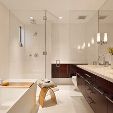 Contemporary Bathroom by SB Architects