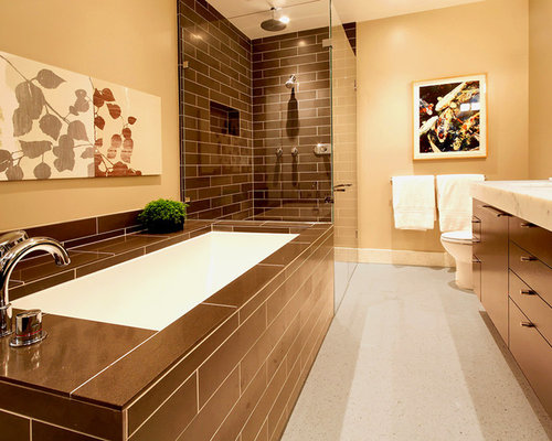 Master bathroom tile ideas houzz for Master bathroom tile pictures