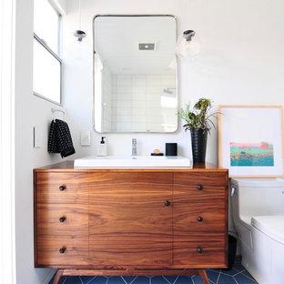 サンフランシスコのミッドセンチュリースタイルのおしゃれな浴室の写真