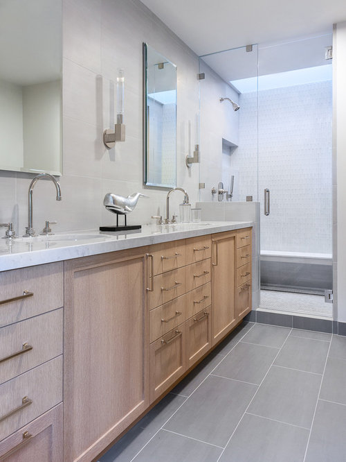 Bathroom Design Ideas Renovations Photos With Light Wood Cabinets