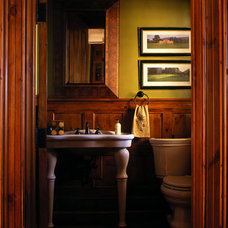 Traditional Bathroom by Solaris Inc.