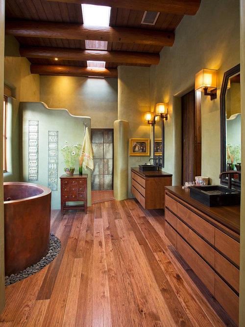 salle de bain sud ouest am ricain avec une douche ouverte photos et id es d co de salles de bain. Black Bedroom Furniture Sets. Home Design Ideas