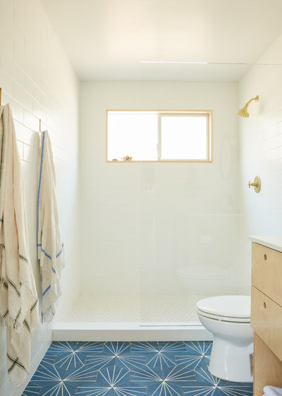Midcentury Bathroom by Madeline Tolle