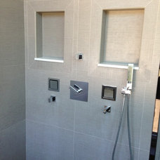 Modern Bathroom by SOD BUILDERS, INC.