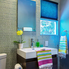 Contemporary Bathroom by Weego Home