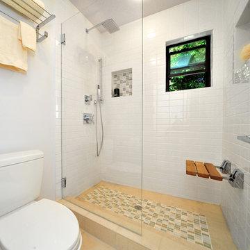 Santa Monica Shower room