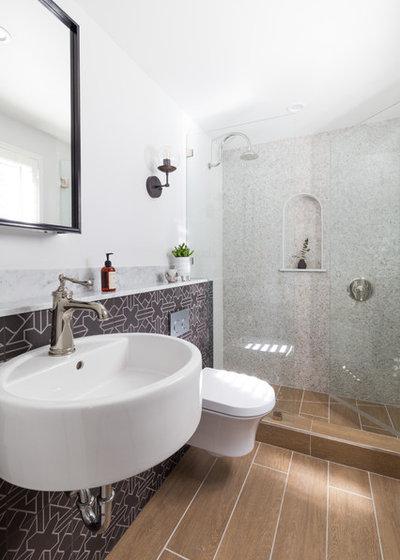 Farmhouse Bathroom by Touch Interiors by Bronwyn Poole