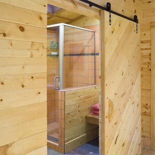Kleines Uriges Badezimmer mit Wandwaschbecken, grauen Fliesen, Porzellan-Bodenfliesen und blauem Boden in Kansas City