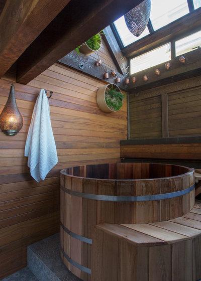 Asian Bathroom by LOCZIdesign