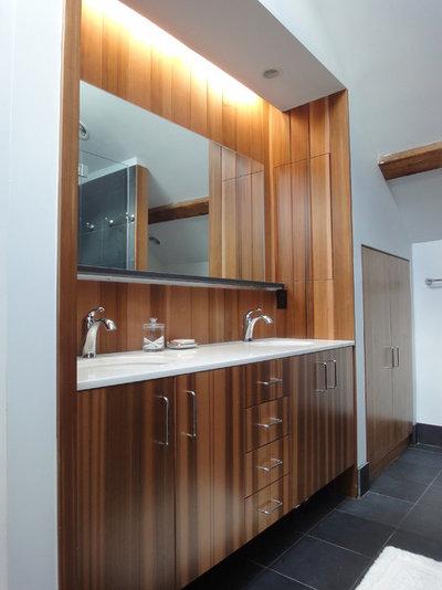 Modern Bathroom by I-KANDA ARCHITECTS