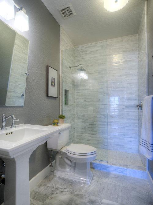 Bathroom design ideas renovations photos with a for Small 4 piece bathroom