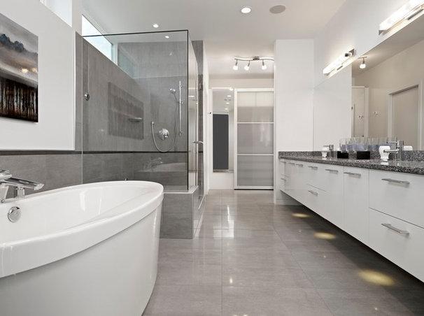 Modern Bathroom by thirdstone inc. [^]