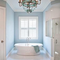 Tropical Bathroom by RTG CONSTRUCTION INC