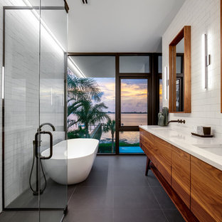 Mid Sized Minimalist Master White Tile And Subway Tile Porcelain Floor And  Gray Floor Bathroom