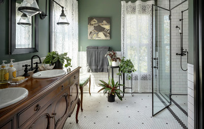 Bathroom of the Week:  Haunted-Mansion Vibe in a Historic Home