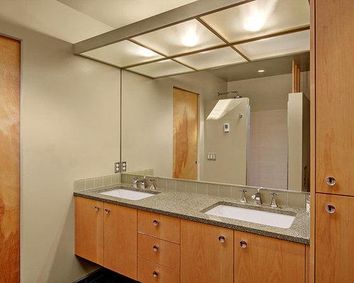 Salles de bains et wc r tro de couleur bois photos et id es d co de salles - Taille moyenne salle de bain ...