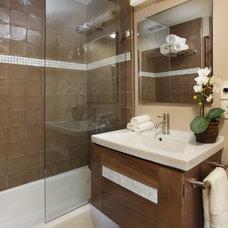 Contemporary Bathroom by Harkey Construction, Inc.