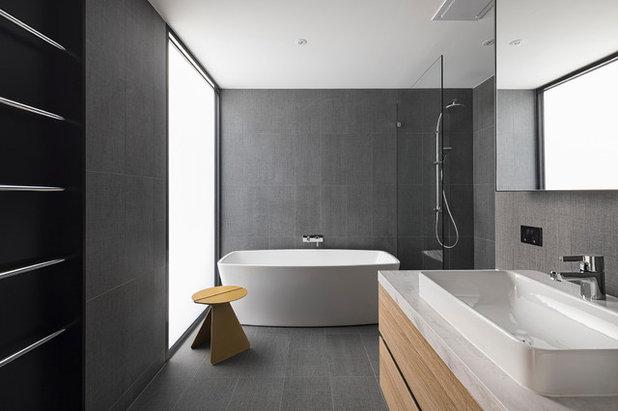 Moderne Salle de Bain by Hot Black Pty Ltd