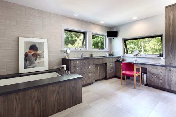 Rustic Bathroom by Scott Christopher Homes