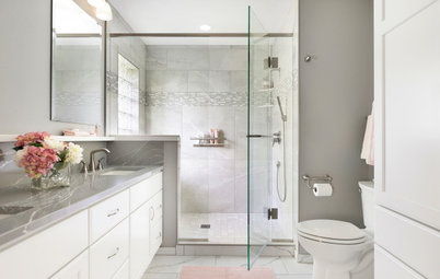Bathroom of the Week: Soothing White and Gray in a Roomy Layout