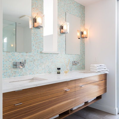 Inspiration for a contemporary bathroom remodel in Toronto with an undermount sink