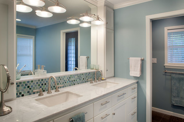 Traditional Bathroom by Morningside Architects LLP