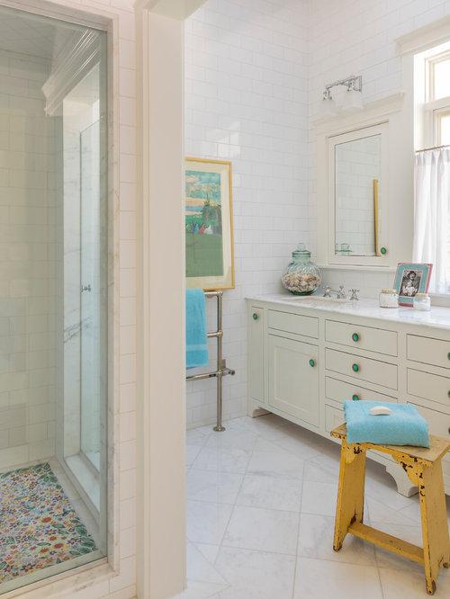 grande salle de bain romantique photos et id es d co de salles de bain. Black Bedroom Furniture Sets. Home Design Ideas