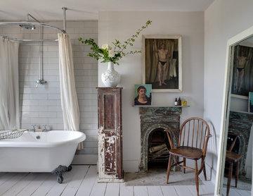 Shabby-chic Style Bathroom