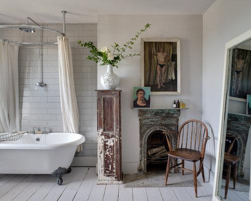 Salle de bain romantique avec une baignoire sur pieds for Salle de bain avec baignoire sur pied