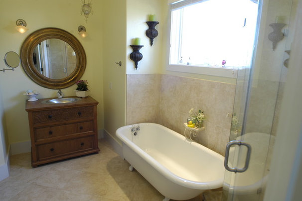 Tropical Bathroom by Tongue & Groove