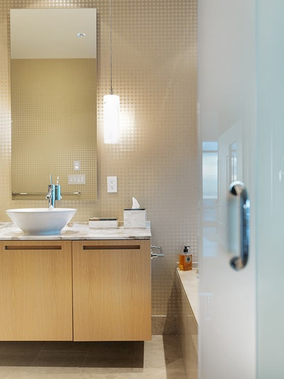 Houzz tour warm modernism way up in the air for Bathroom design consultant