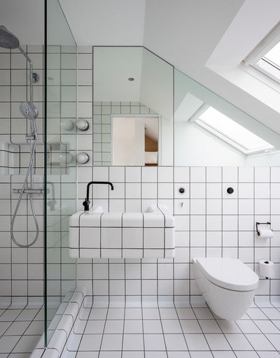 Contemporary Bathroom by Studio 30 Architects
