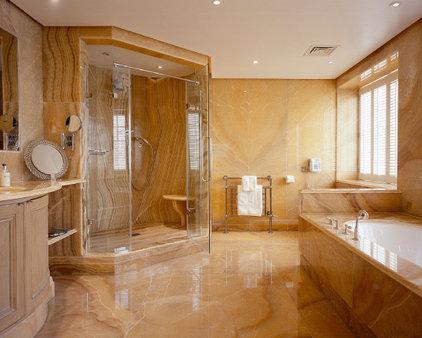 Traditional Bathroom SHH