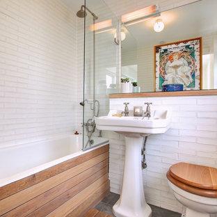 Imagen de cuarto de baño bohemio de tamaño medio