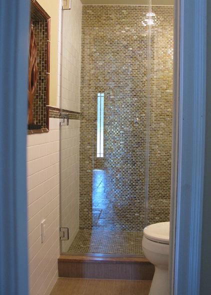 Modern Bathroom by Shoshana Gosselin