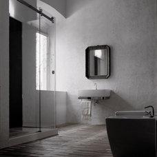 Modern Bathroom by galbox